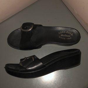 Kork ease black leather platform wedge sandals 9